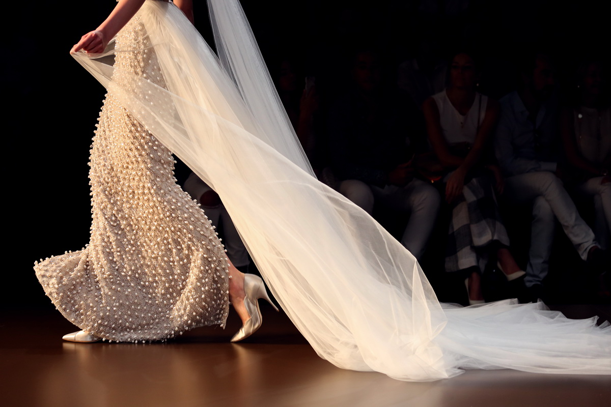 Ralph & Russo AW15 003_resize