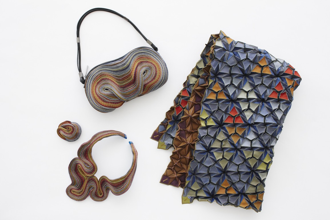 Issey Miyake for Christmas with  Record , a new line of 3D accessories  dedicated to big metropolis ab195fa0f6