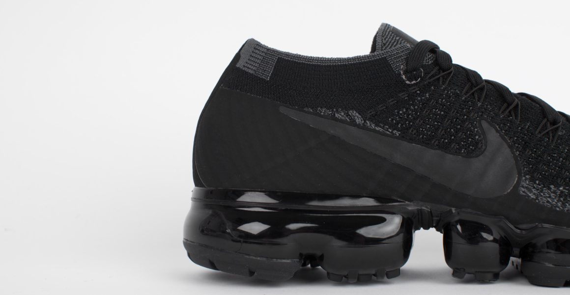 SITO 149-899472-003-nike-air-vapormax-flyknit-triple-black-3