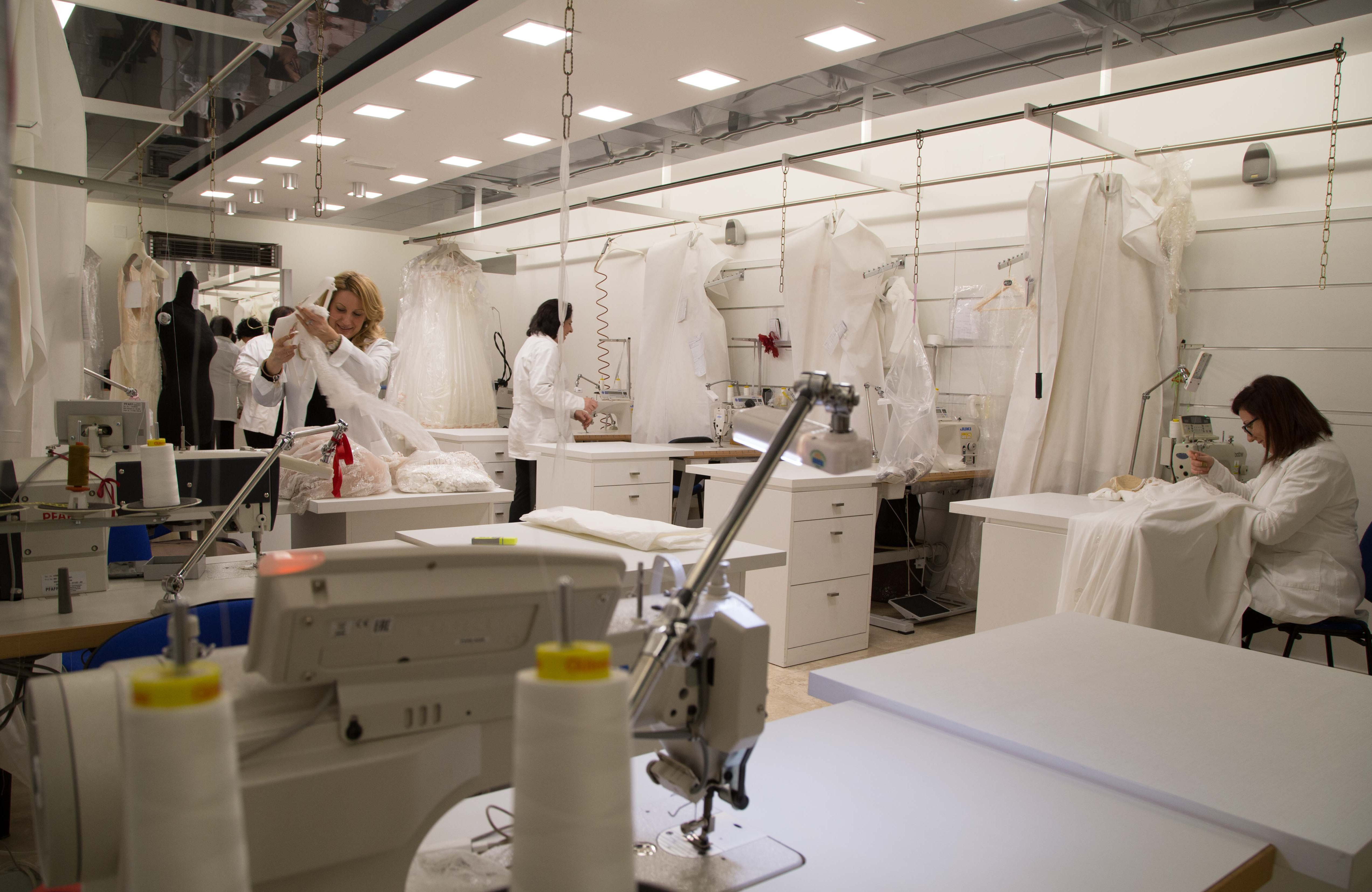Maison signore acquires the historic brand of wedding for Maison brand