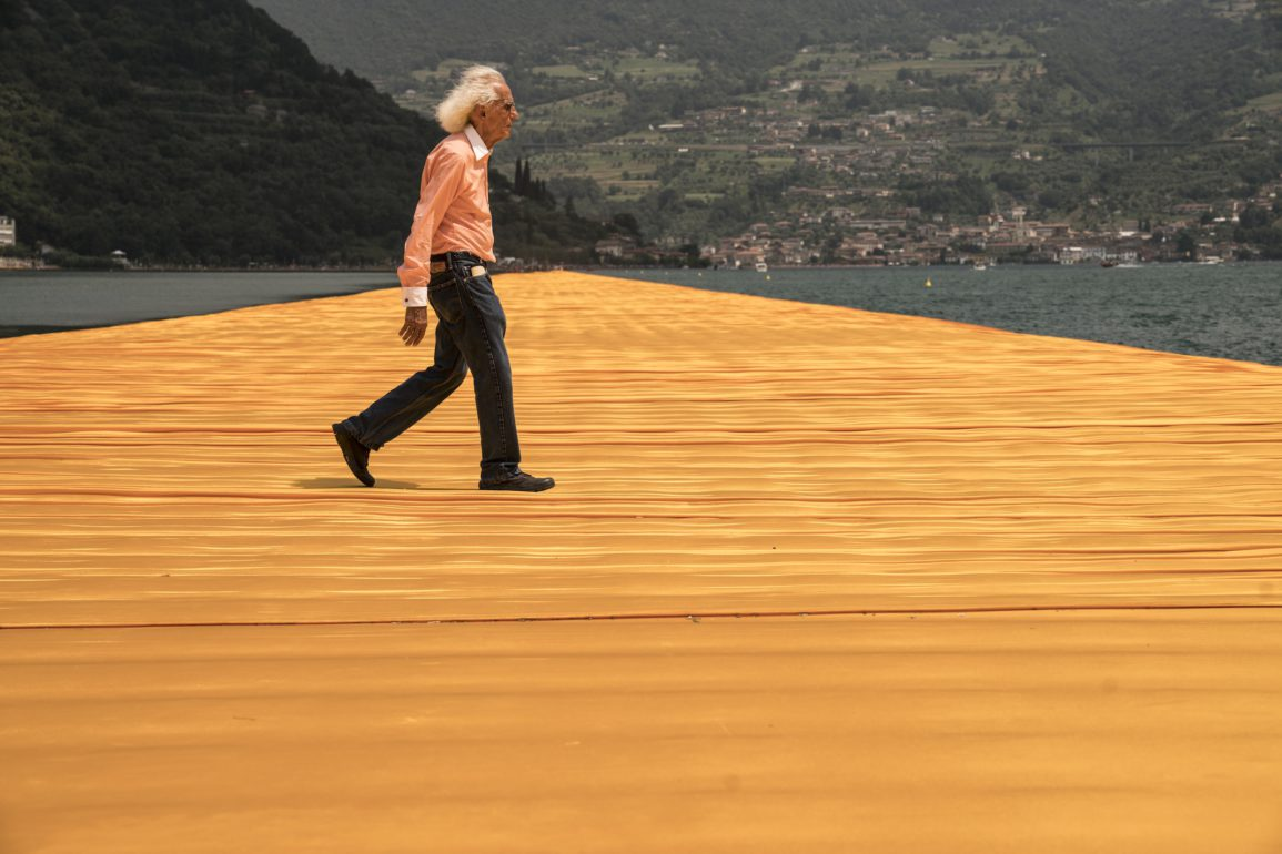 Christo at the Floating Piers, Lake Iseo, Italy, 2014-16 (Photo: Wolfgang Volz)