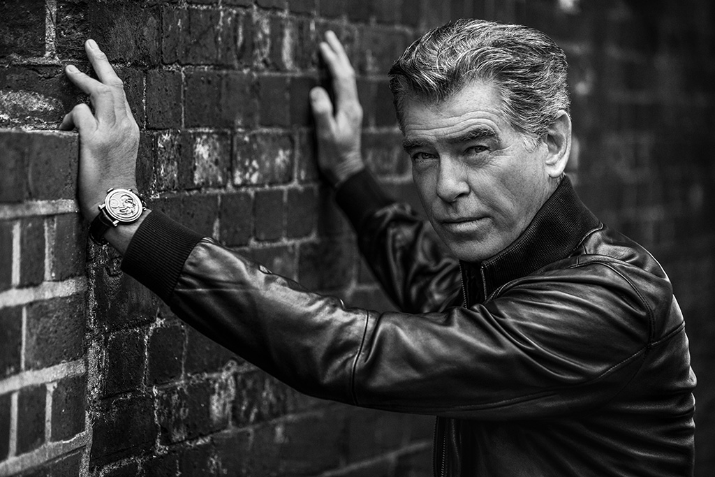 PIERCE_BROSNAN_BW_Wall_01_LQ