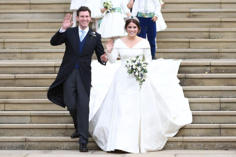 Royal-family-releases-official-Princess-Eugenie-wedding-pics